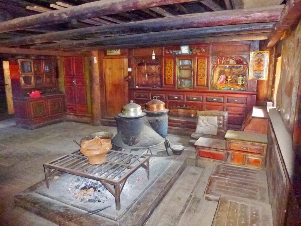 Aux quatre coins du monde lijiang shangri la deqin for Chambre 13 secte