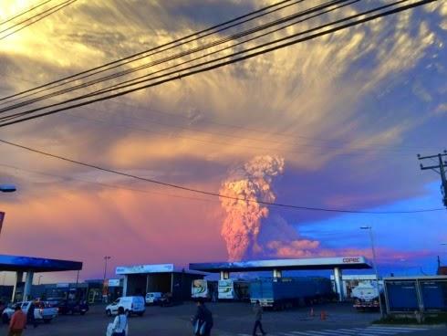 Gunung berapi Calbuco di Chile meletus buat pertama kali dalam tempoh 50 tahun