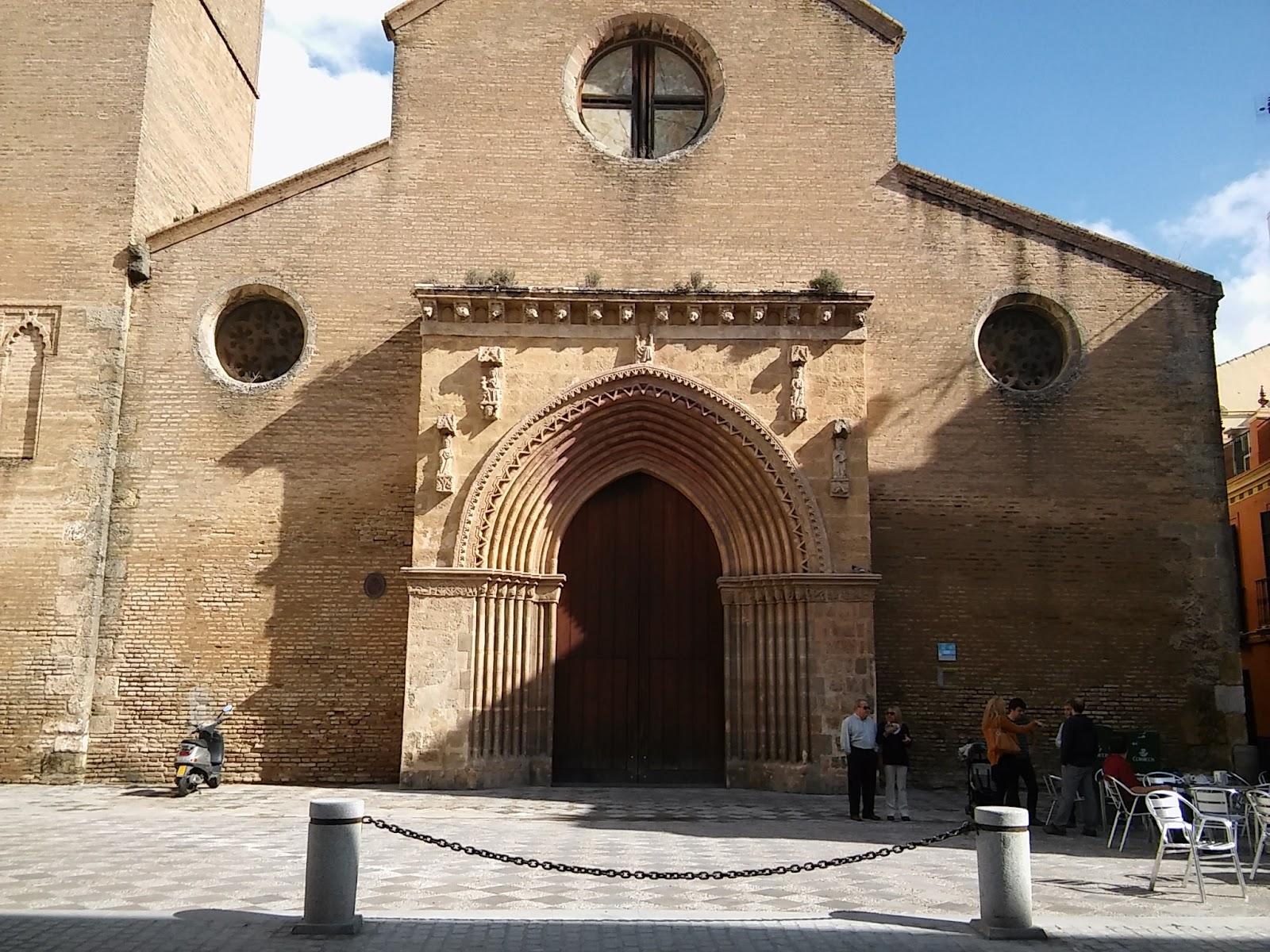 Cultura de sevilla microcirug a urbana en due as y santa for Puerta 8 san marcos
