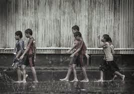 Cerpen Singkat Di Balik Air Hujan