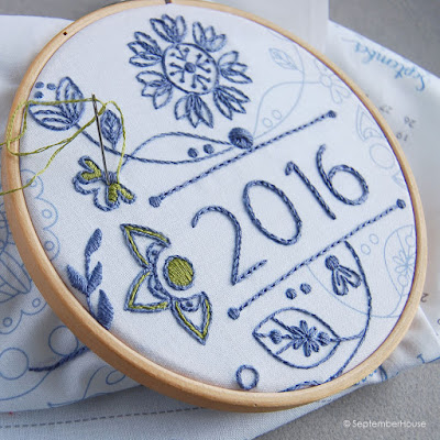 2016 Modern Floral Fabric Calendar Embroidery