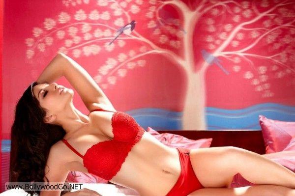 Sunny+Leone+Red+-+BollywoodGo+(2)