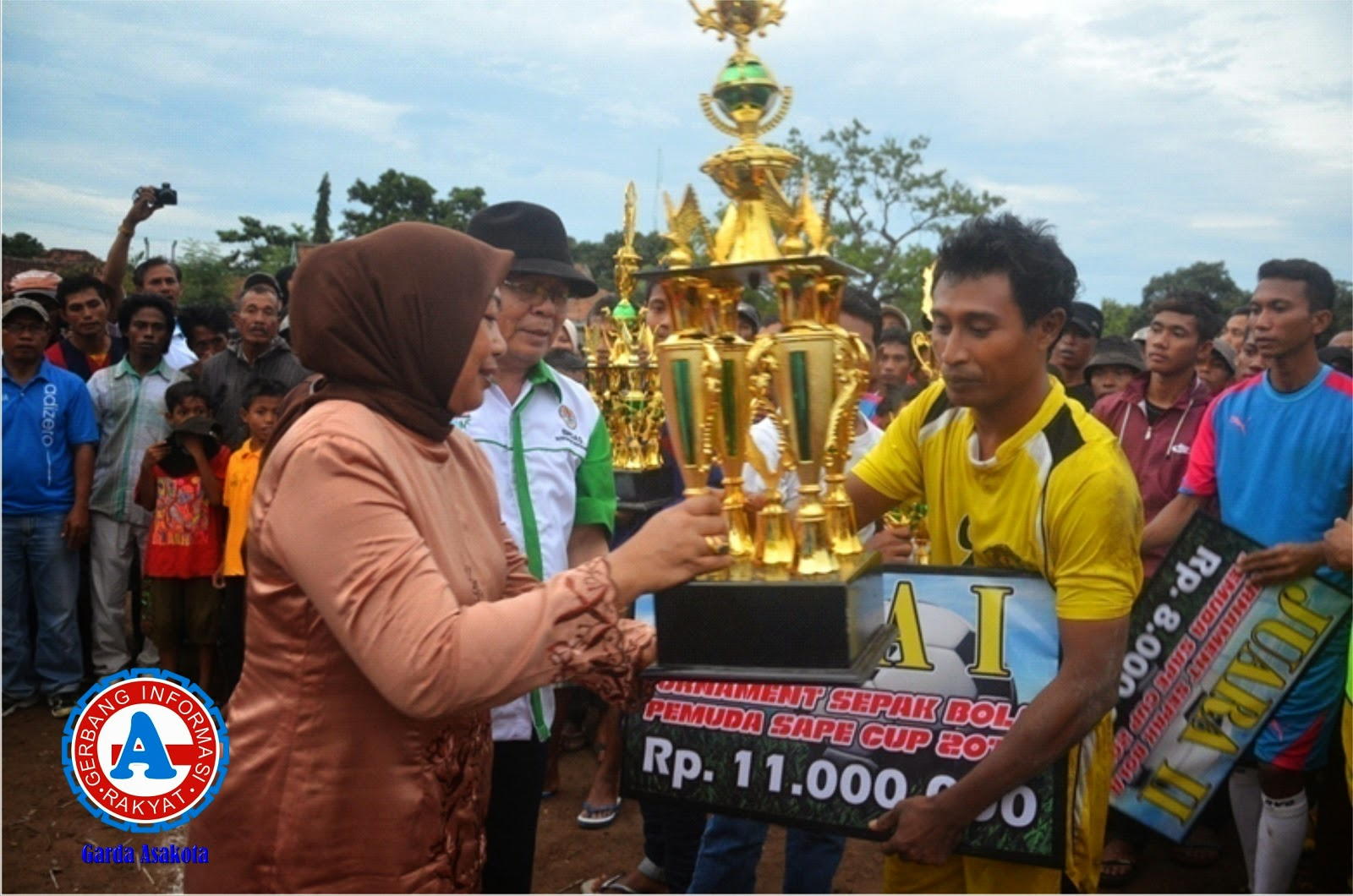 Tim Persada STKIP Bima Juara Turnamen Sepak Bola Pemuda Sape Cup