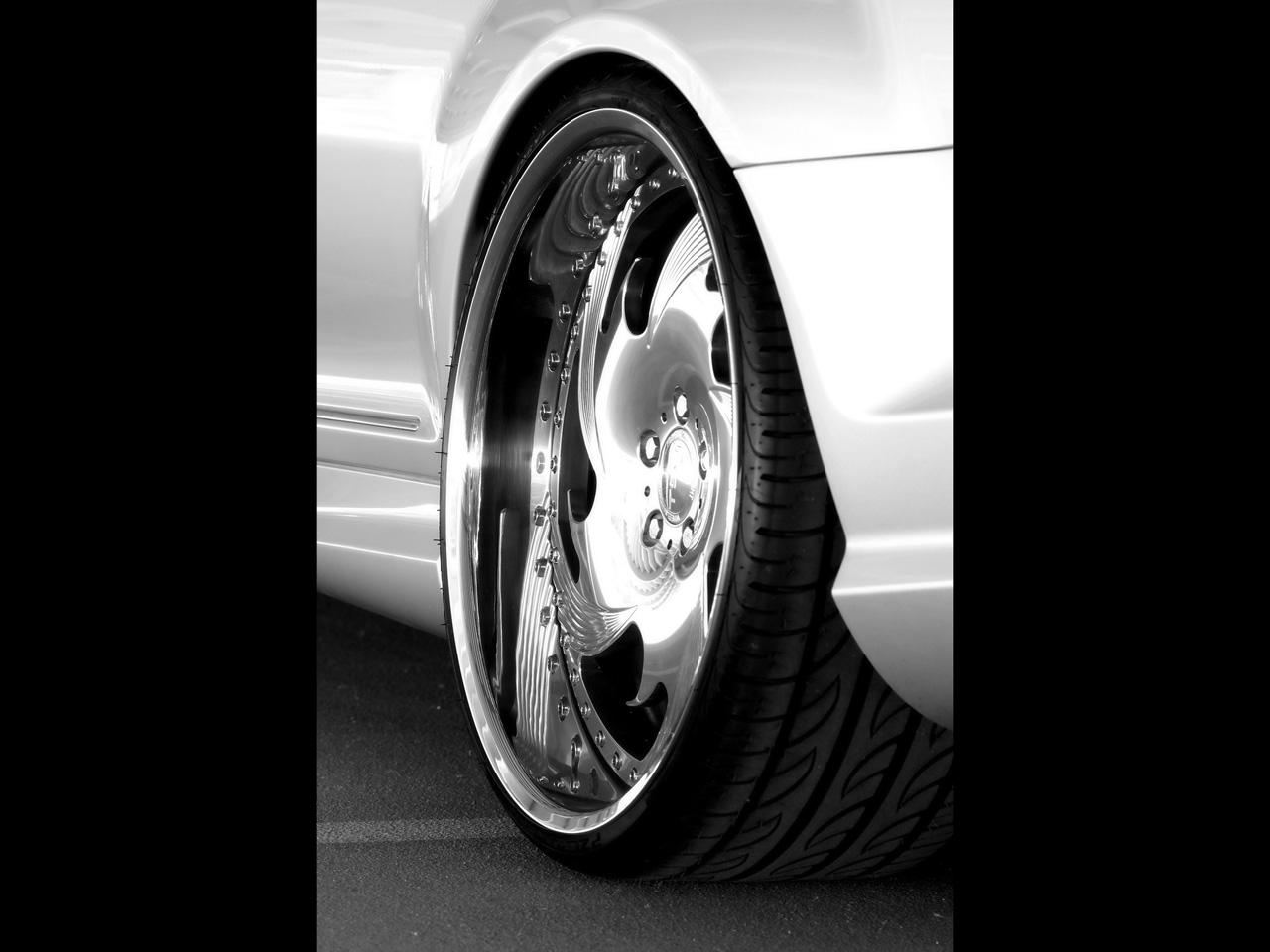 http://4.bp.blogspot.com/-CJ09WZYT7ww/ThNkfHaqYEI/AAAAAAAAG0k/NJV35TesVLQ/s1600/Mercedes-Benz+CL+45+Wallpapers+5.jpg