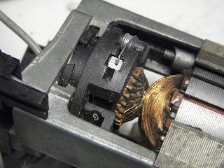 motor maquina de coser sigma 2000 cambio de escobillas