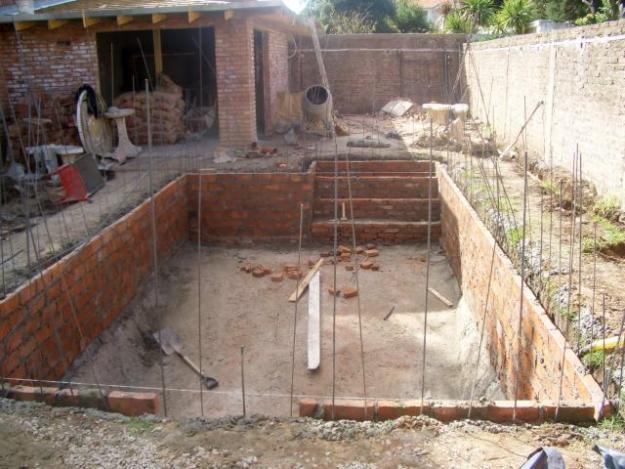 Construcciones anticrisis mayo 2011 for Como hacer una pileta de material paso a paso