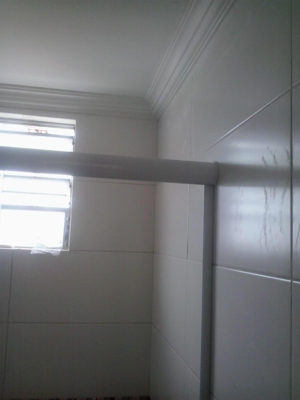 ! Nossas idéias e sugestões! : Transformação do banheiro #576474 1200x1600 Banheiro Com Janela No Teto