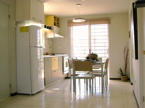 Decoraci n minimalista y contempor nea cocina peque a con for Antecomedores modernos pequenos