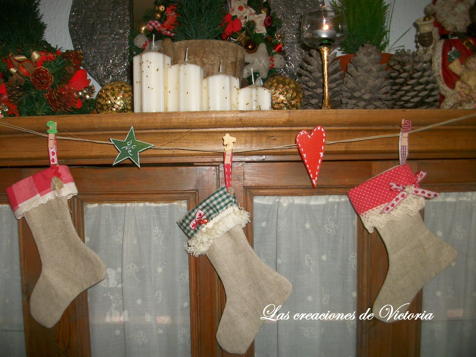 Las creaciones de Victoria. Patchwork .Guirnalda de calcetines navidad.Reciclaje