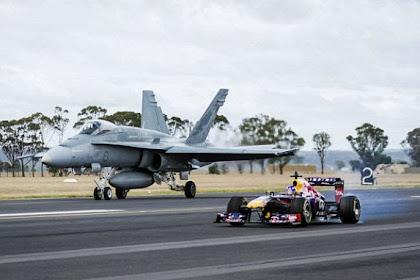 Adu Balap Jet Tempur F-18 Vs Mobil F1, Mana yang Menang?