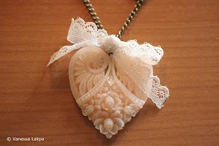 collier romantique baroque dentelle calais