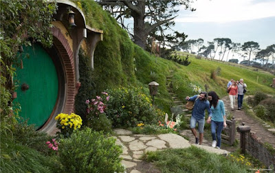holiday in New Zealand, hobbiton tour, Lord of the Rings Tours, adventure, adventure in New Zealand, glacier hiking, New Year holiday, fireworks new year