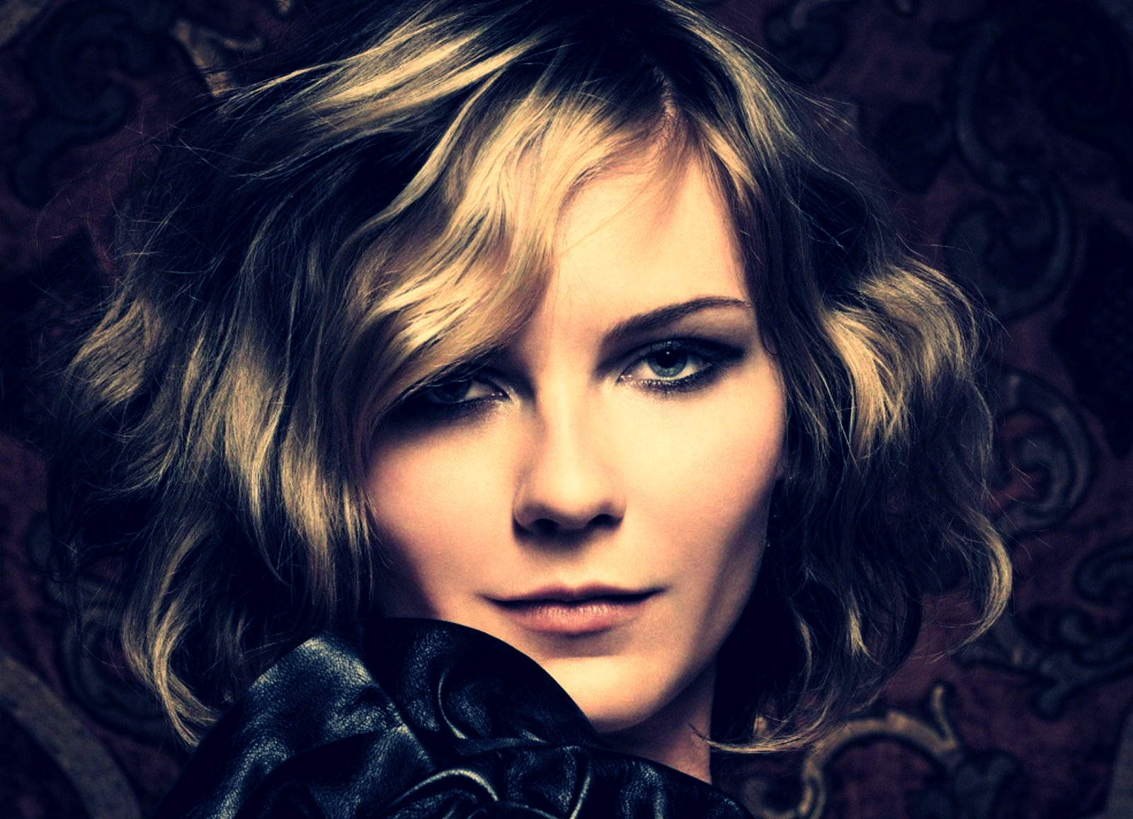 beautiful female celebrities wallpapers - photo #9