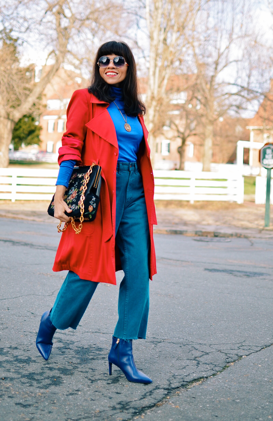 Outfit with cropped jeans