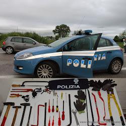 LADRI BLOCCATI DALLA POLIZIA
