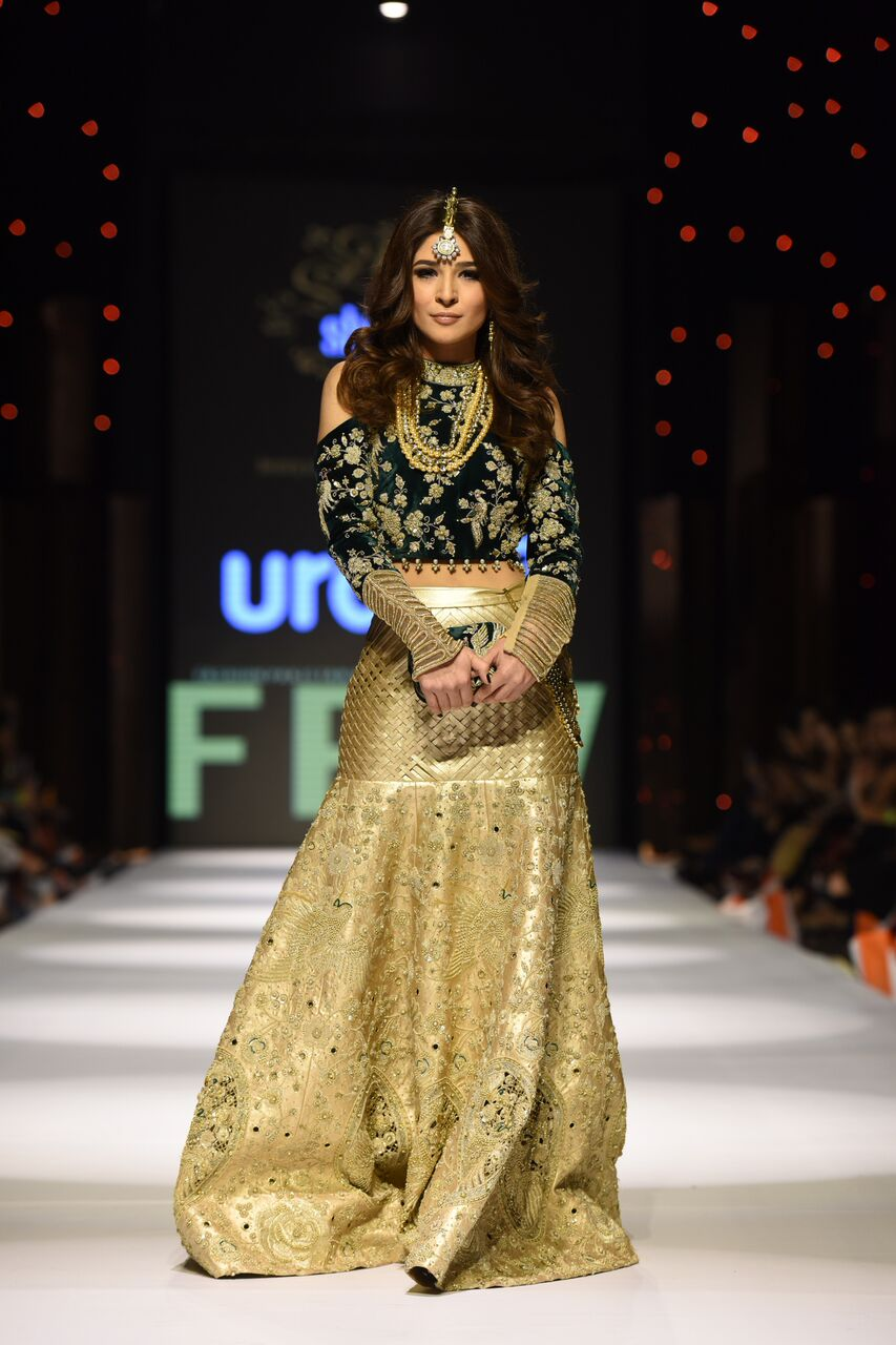 Famous fashion designers of pakistan 32