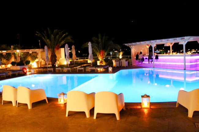 Margarita bar, Ios palace hotel & spa. Where to stay in Ios. Luxury hotels in Ios, boutique hotels in Ios. Ios hotels. Ios bars.