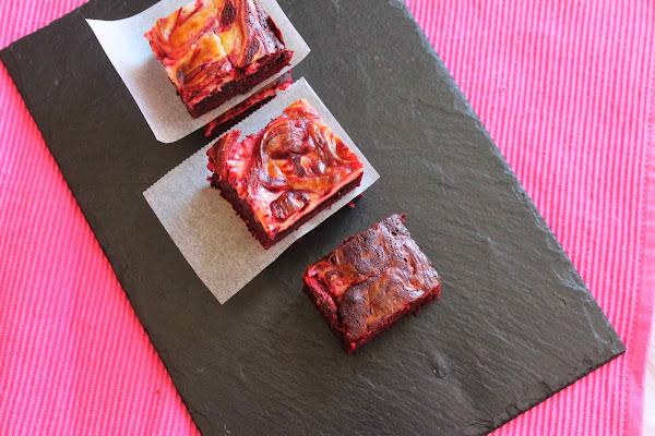 Brownie red velvet cheesecake