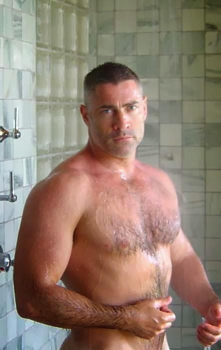 Hooter girls ass nude
