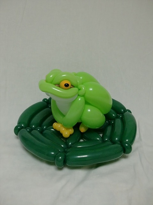 09-Frog-Masayoshi-Matsumoto-isopresso-3D-Balloon-Sculptures-Animals-Insects-and-Human-www-designstack-co