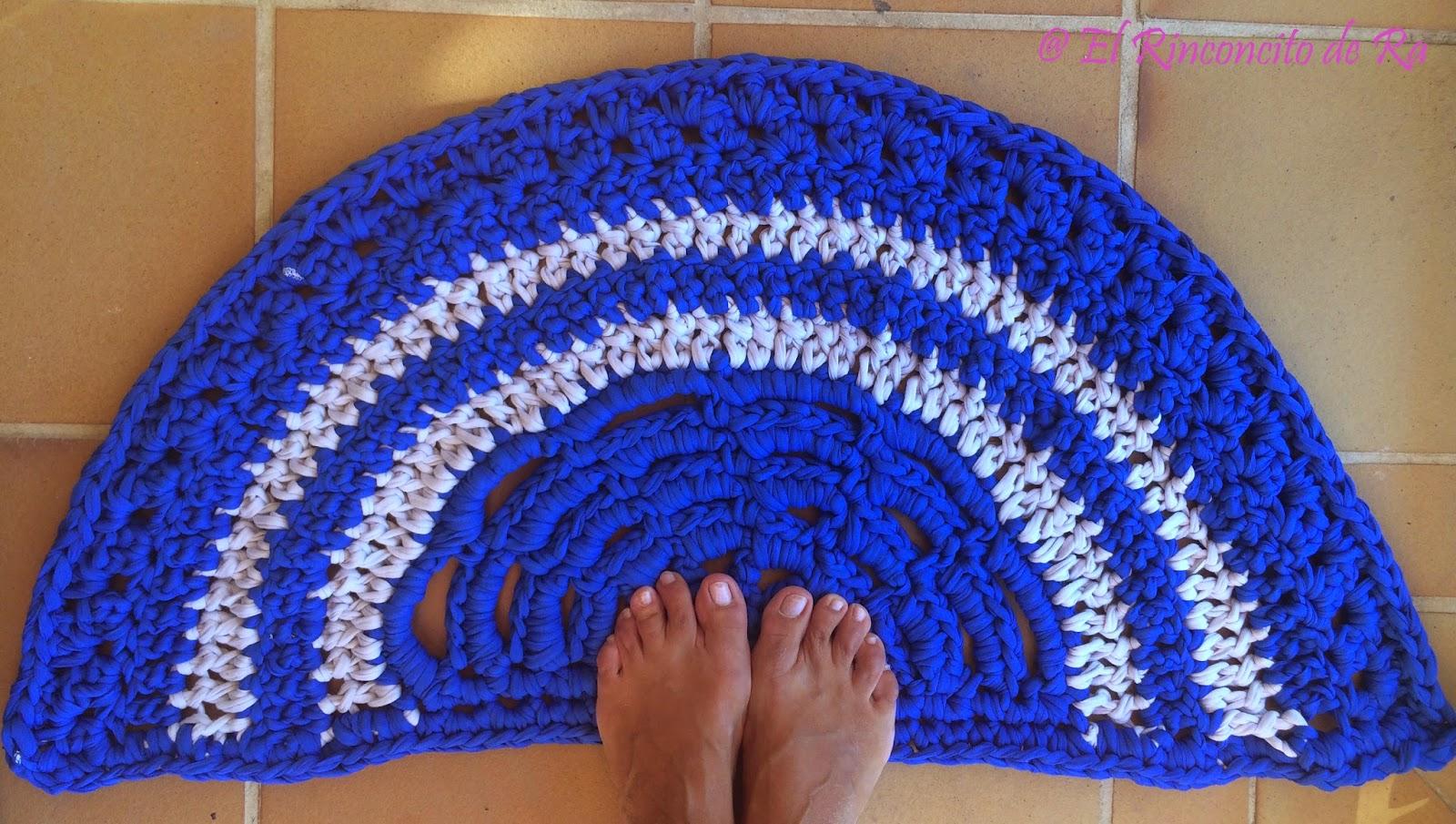 El rinconcito de ra alfombra de ba o semicircular - Hacer una manta de ganchillo ...