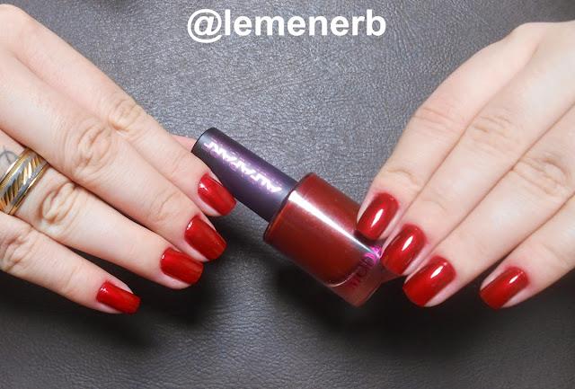 esmalte alfaparf vermelho