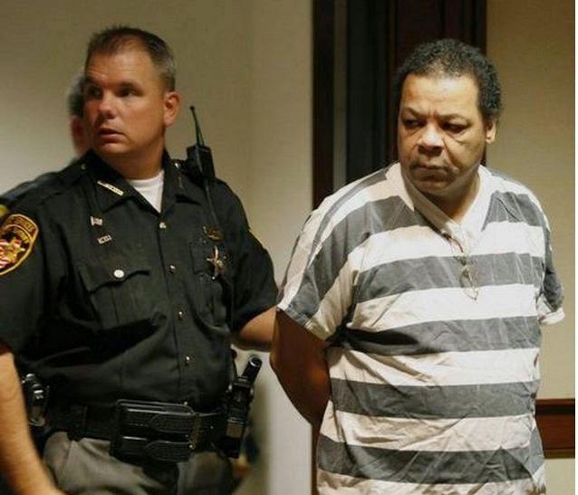 Admitió frente a un juez, que tuvo sexo con al menos 100 cadávere