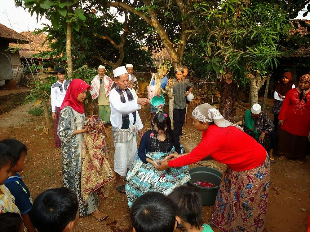 Upacara Kehamilan Tujuh Bulan di Pagaden Barat, Subang