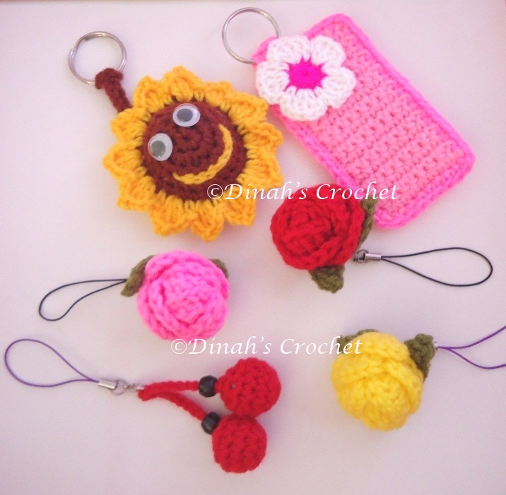 Crochet Purse Keychain Pattern : Dinah Crochet: Crocheted keychain / bag charm