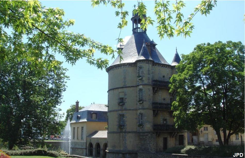 Parisbiseart  Sainte Geneviève des bois  Le donjon ~ Interim Sainte Genevieve Des Bois