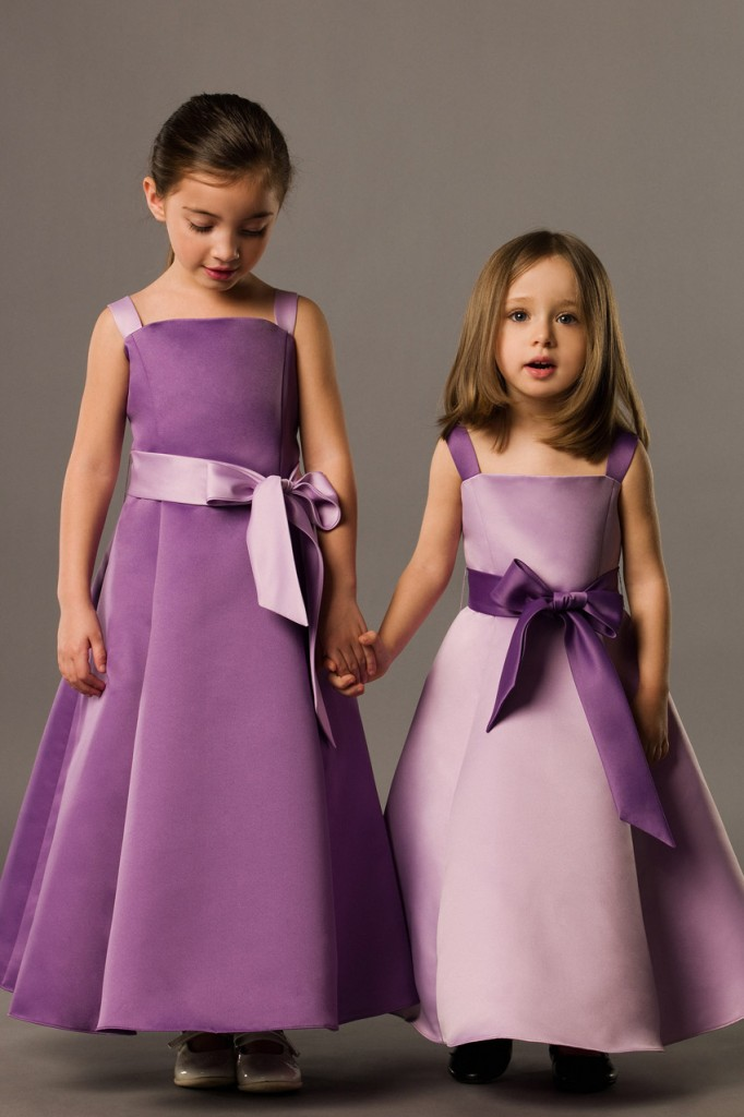 junior bridemaid dresses on autumn wedding party