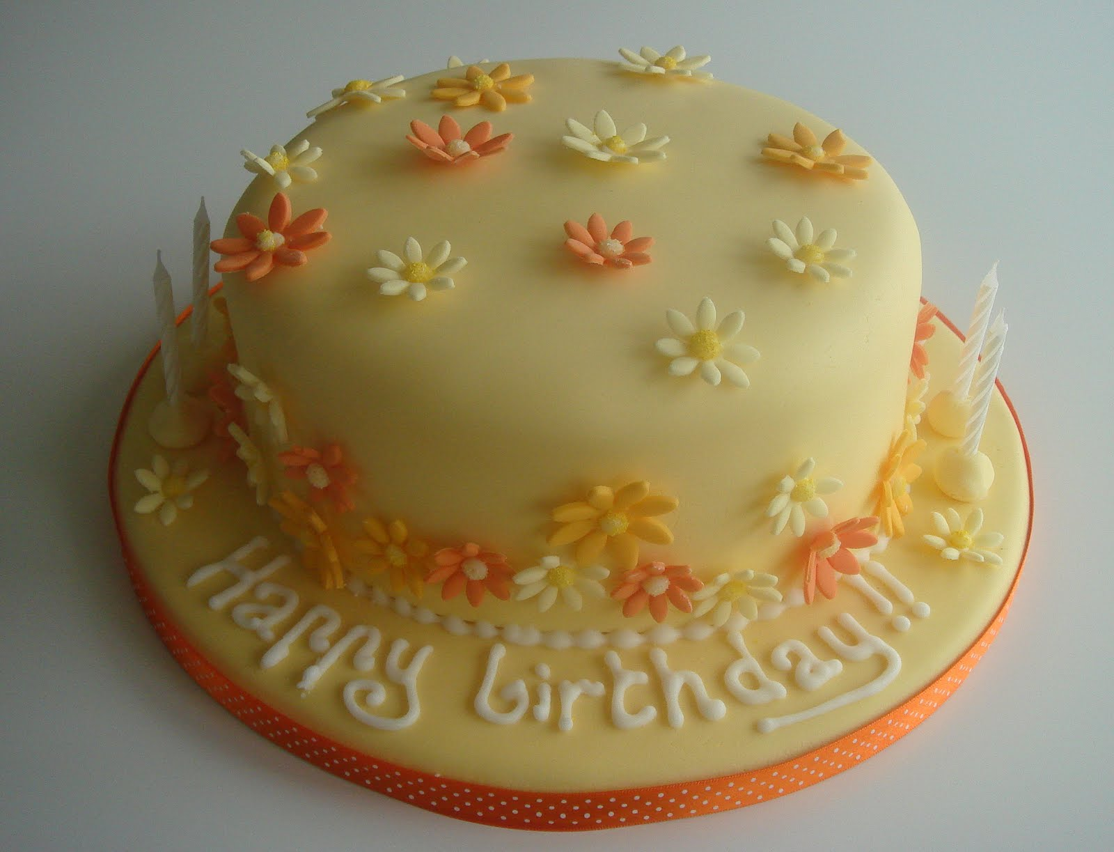 Lizzies pretty scrumptious cakes seriously lemony birthday cake this cake is a lemon sponge soaked with lemon syrup with just a dash of limoncello filled with lemon buttercream and lemon curdriously zingy mightylinksfo