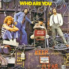 Portada del mes Who are you