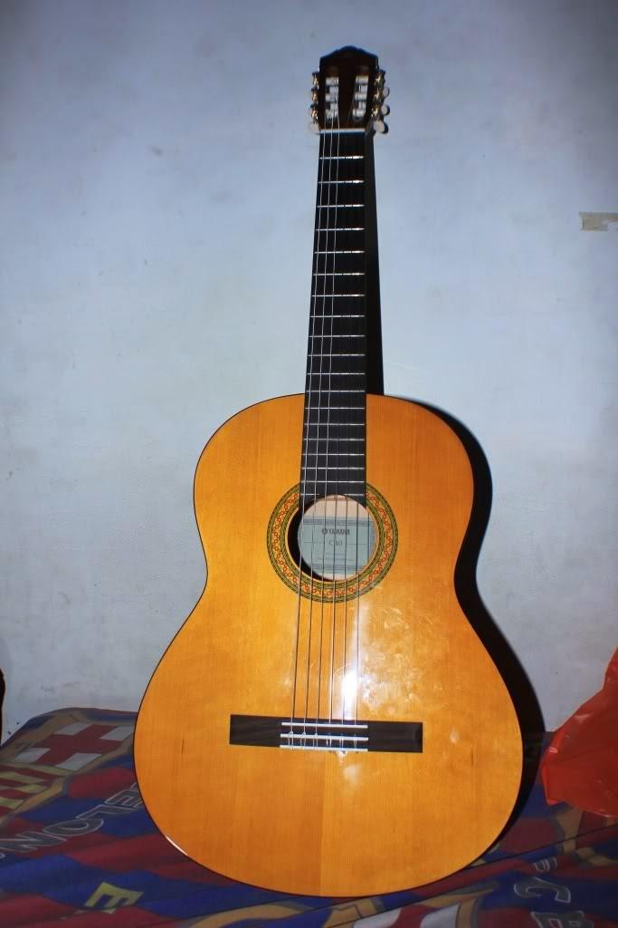 Harga Gitar Akustik Yamaha C40