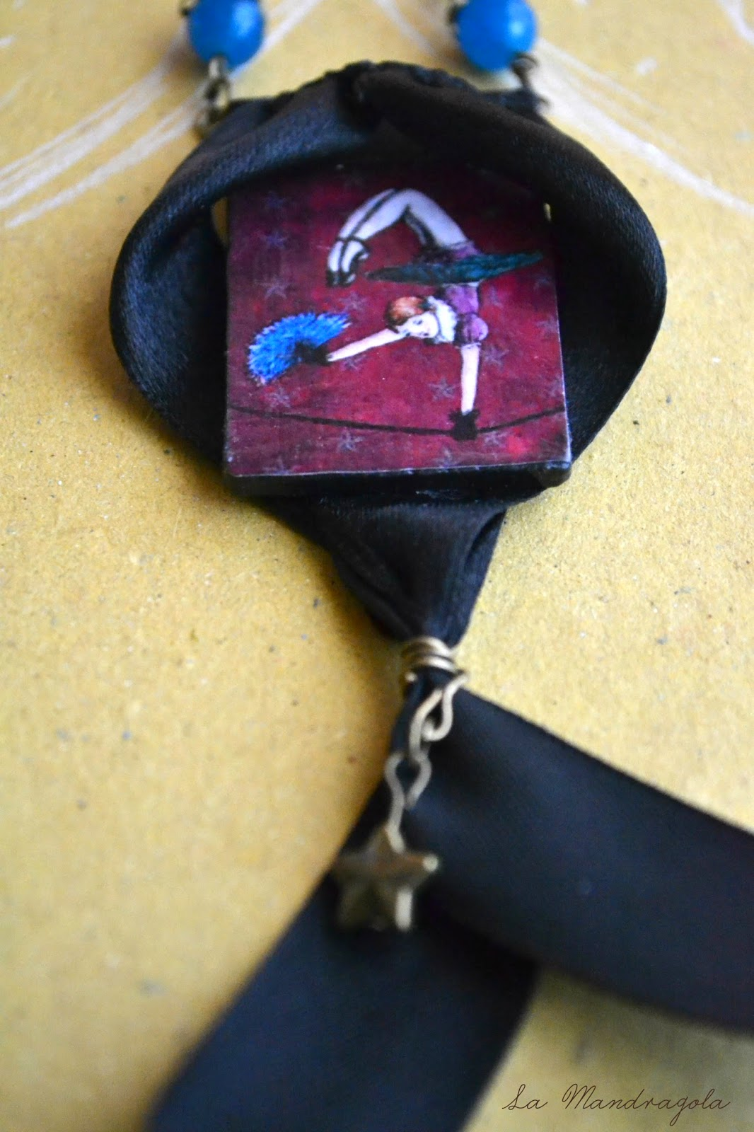 Night Circus - acrobat - freak show - violet - necklace - la mandragola - Flavia Luglioli - illustration - victorian - etsy - circus - carnival - carousel