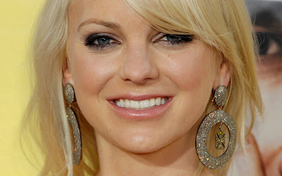 Anna Faris hd Wallpaper look gorgeous