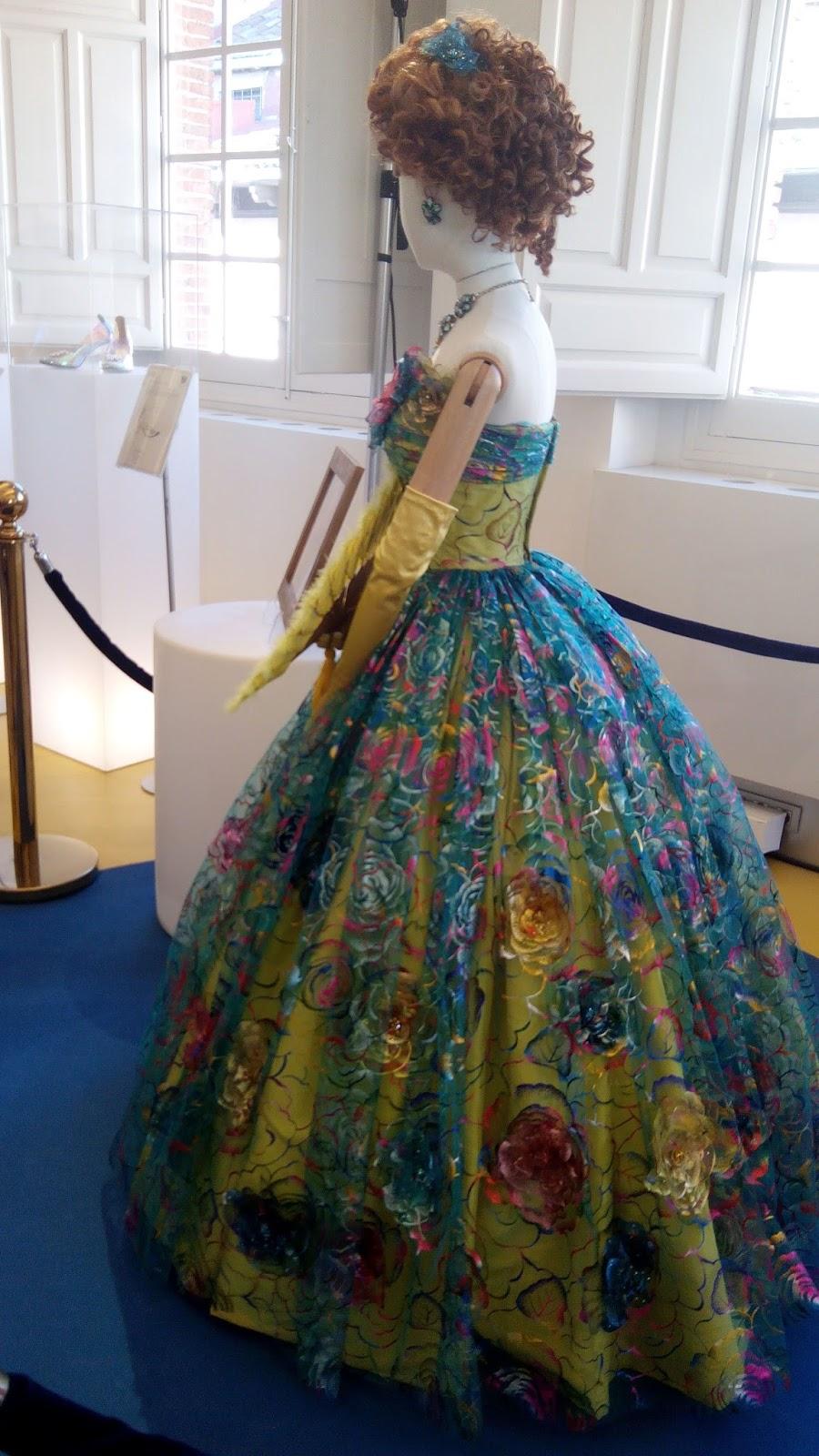 vestido hermanastra cenicienta