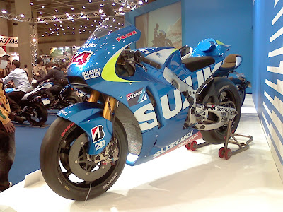 SUZUKI ブース 2015 MotoGP テストマシン