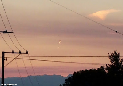 UFOs Photographed Over Seattle, Washington 9-21-14