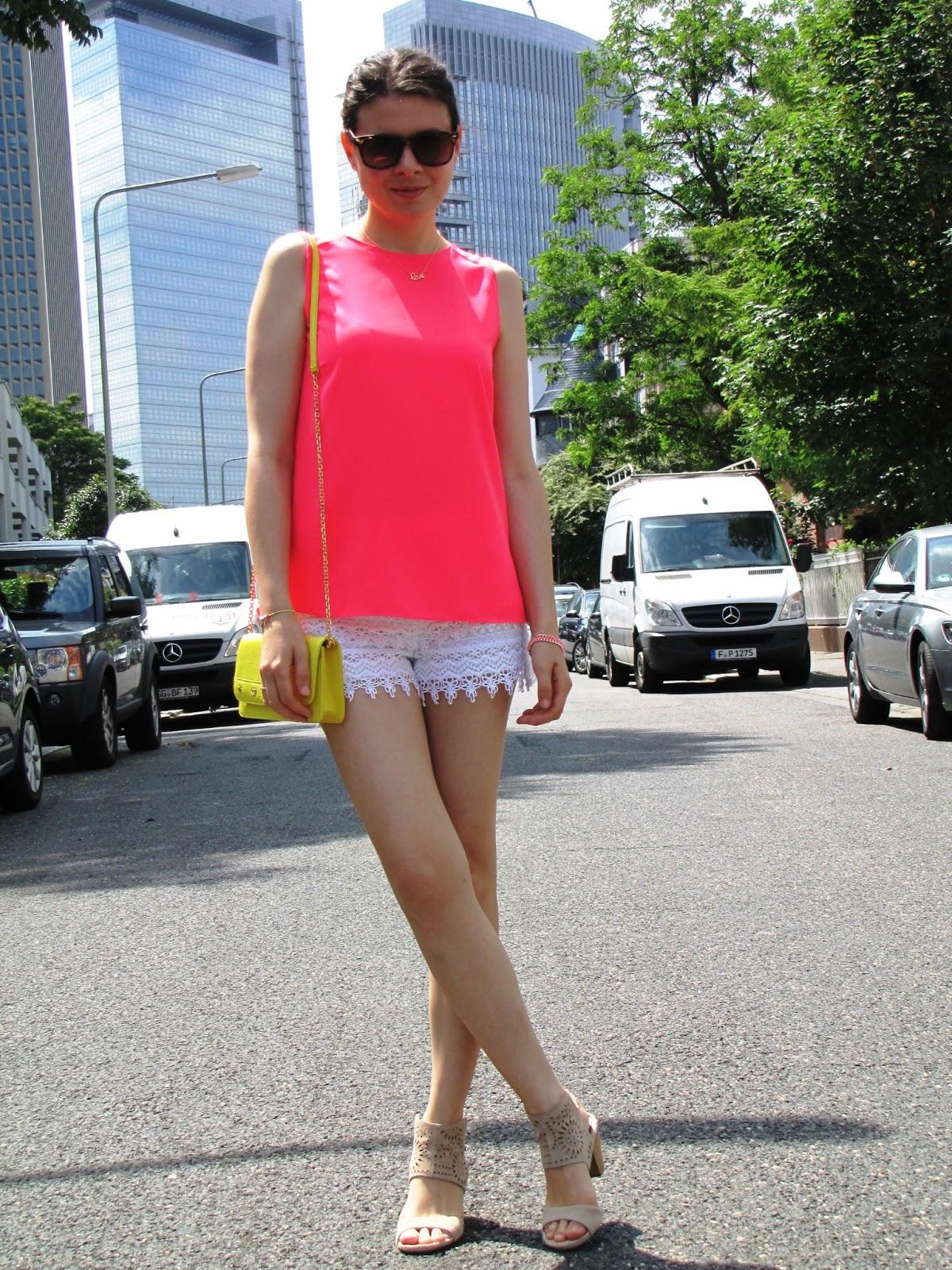 Lace shorts H&M