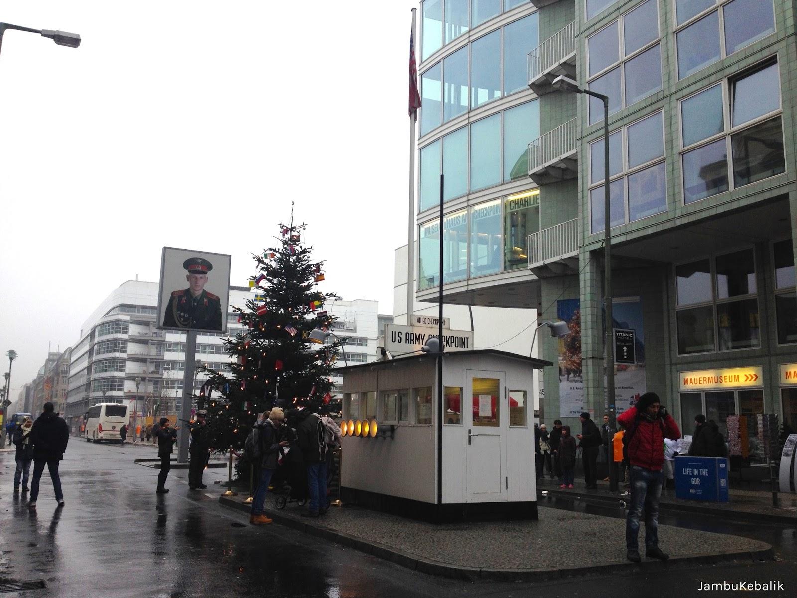 Jalan-Jalan di Berlin, Jerman-17 checkpoint charlie