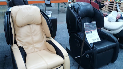 Human Touch AcuTouch 6.0 Massage Chair for a massage at home