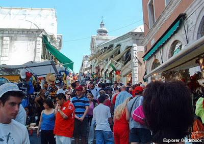 Tempat wisata terkenal di Venice Italia Rialto bridge shop venice