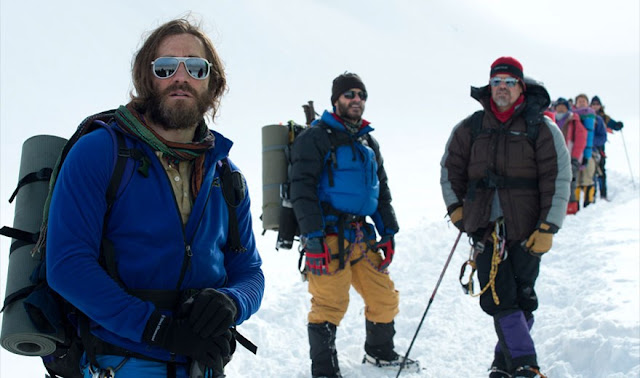 gyllenhaal brolin everest 2015 movie still