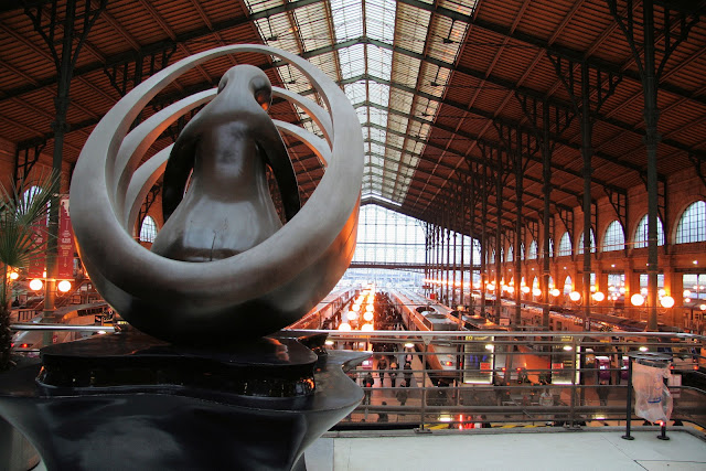 Gare Du Nord station in Paris. This photo was captured from the upper floor of the station. Photo: WikiMedia.org.