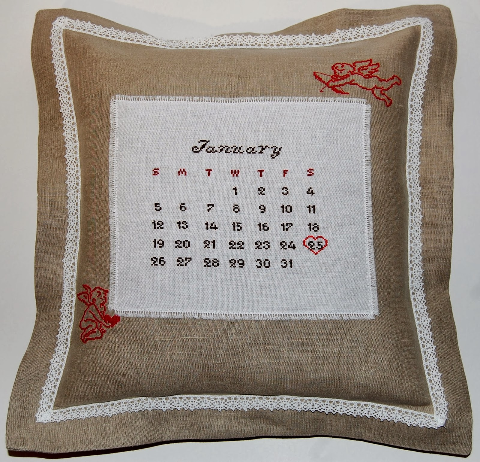 Подарок молодоженам подушка 40