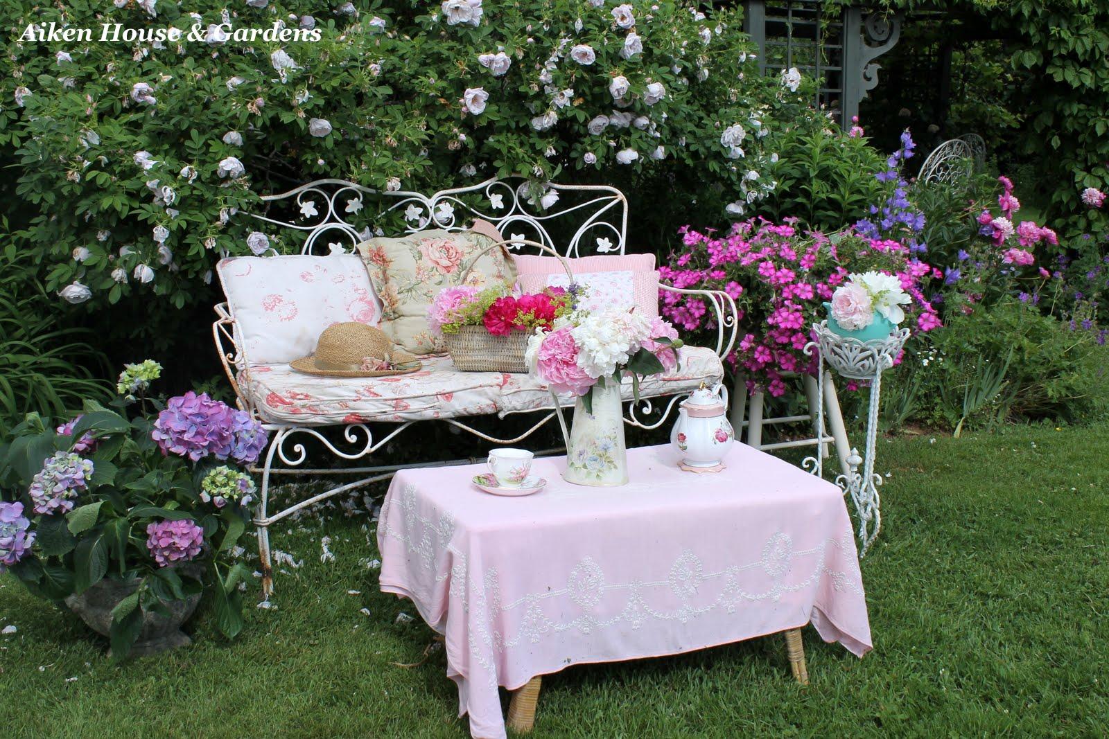 romantic garden style. Black Bedroom Furniture Sets. Home Design Ideas