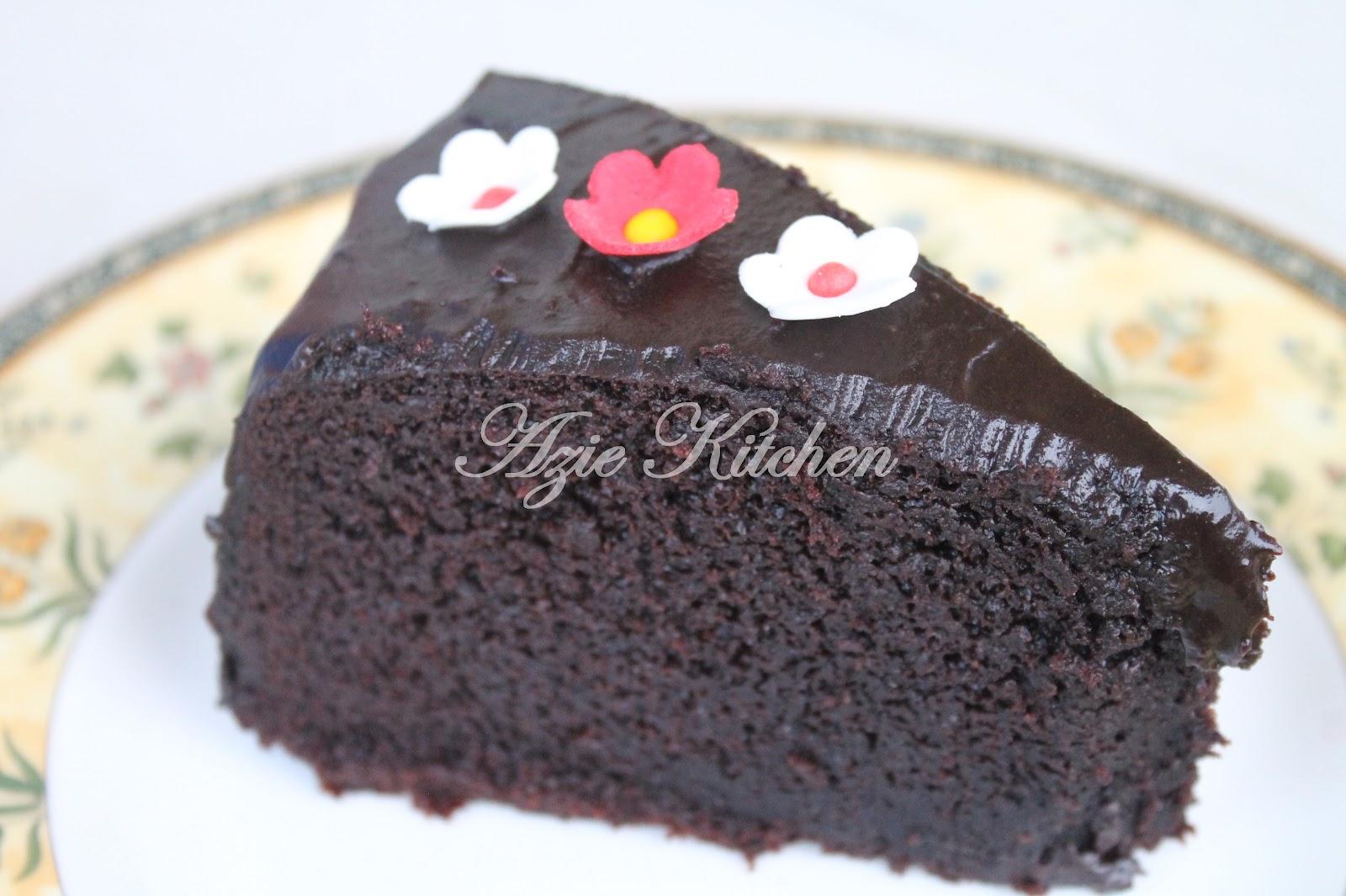 Kek Coklat Lembab Kukus To Die For Azie Kitchen