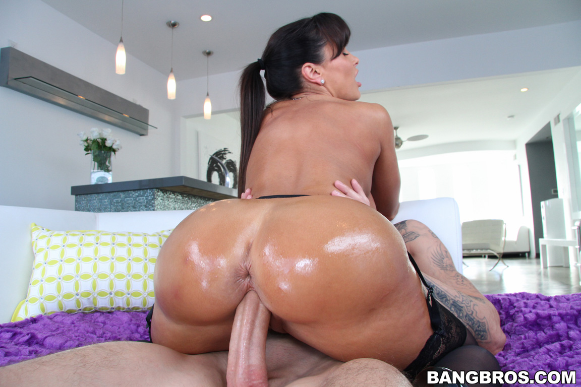 Lisa ann oiled ass