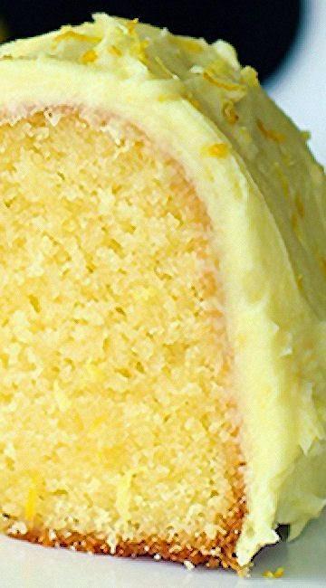 Recipe >> Homemade Lemon Pudding Cake @ thekitchenmagpie.com